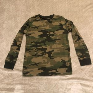 ⭐️2/$10⭐️ Boy's Circo Camo Shirt. Size large